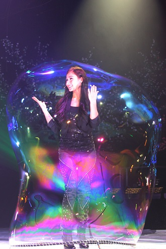 Gazillion Bubble Show. Image courtesy Out of the Box QPAC